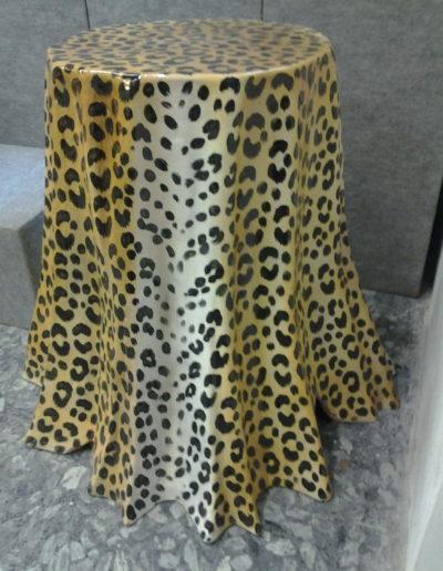 Art. 2122 Tavolo decoro pelle leopardo