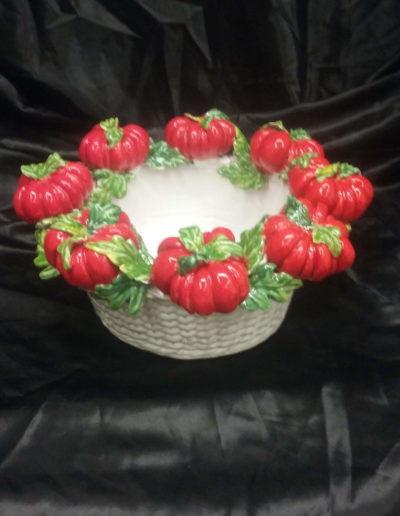 Cesto con pomodori